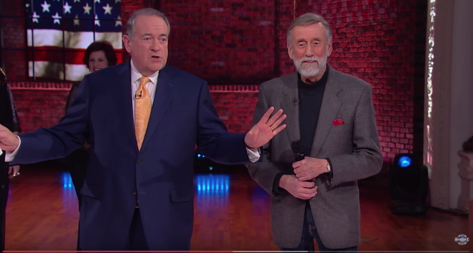 Ray Stevens and Huckabee Sit Down at The CabaRay